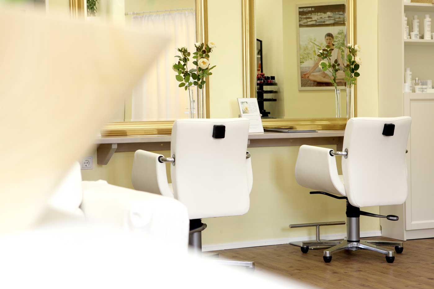 Stühle Seitenansicht